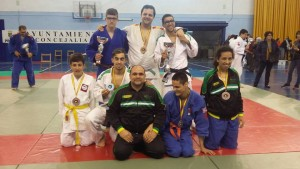 Fotografía de grupo de participantes en el Campeonato de España de judo para Ciegos y Deficientes Visuales