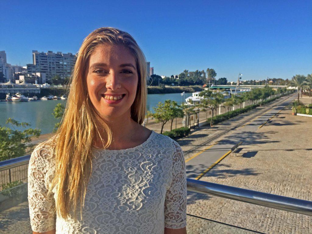 Marta Gómez a orillas del Guadalquivir