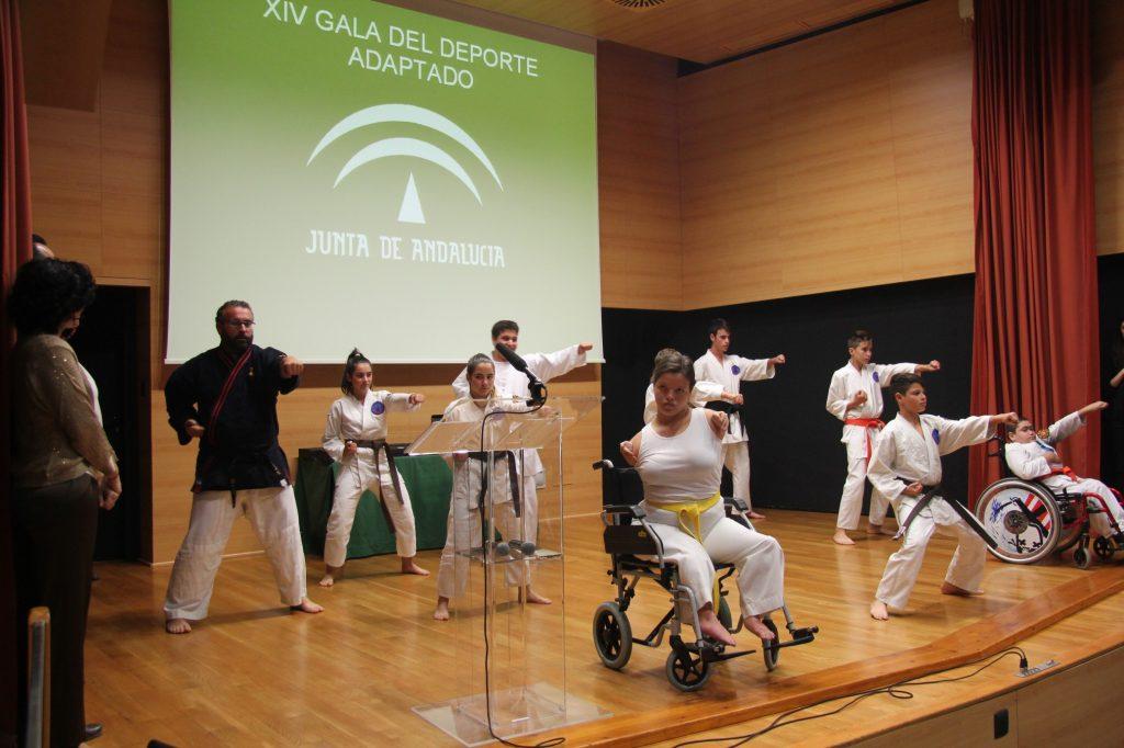 La gala contó con una exhibición de artes marciales