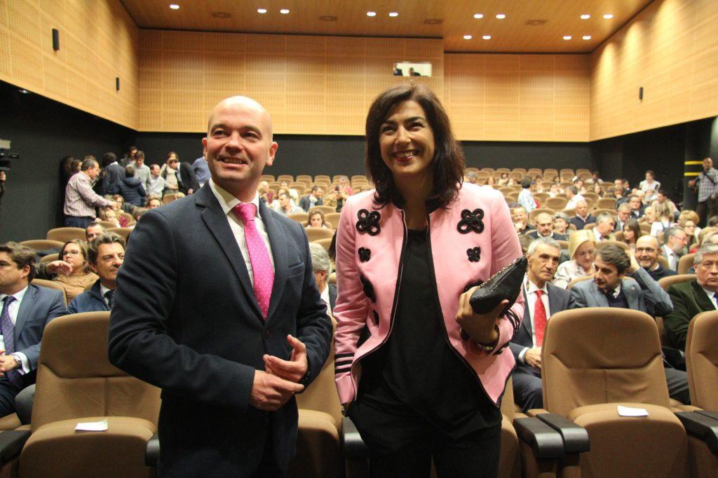 La directora general de Deportes y el delegado territorial de la Junta de Andalucía en Sevilla presidieron la entrega de premios