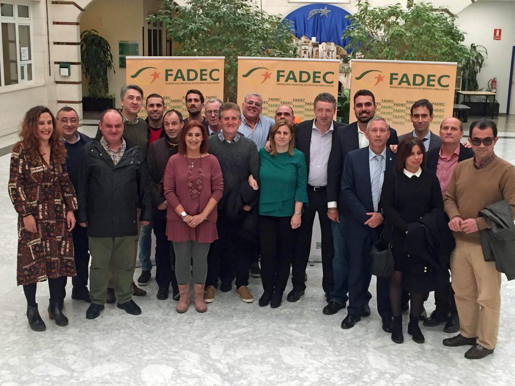 Imagen de familia de la Asamblea última del año de la FADEC