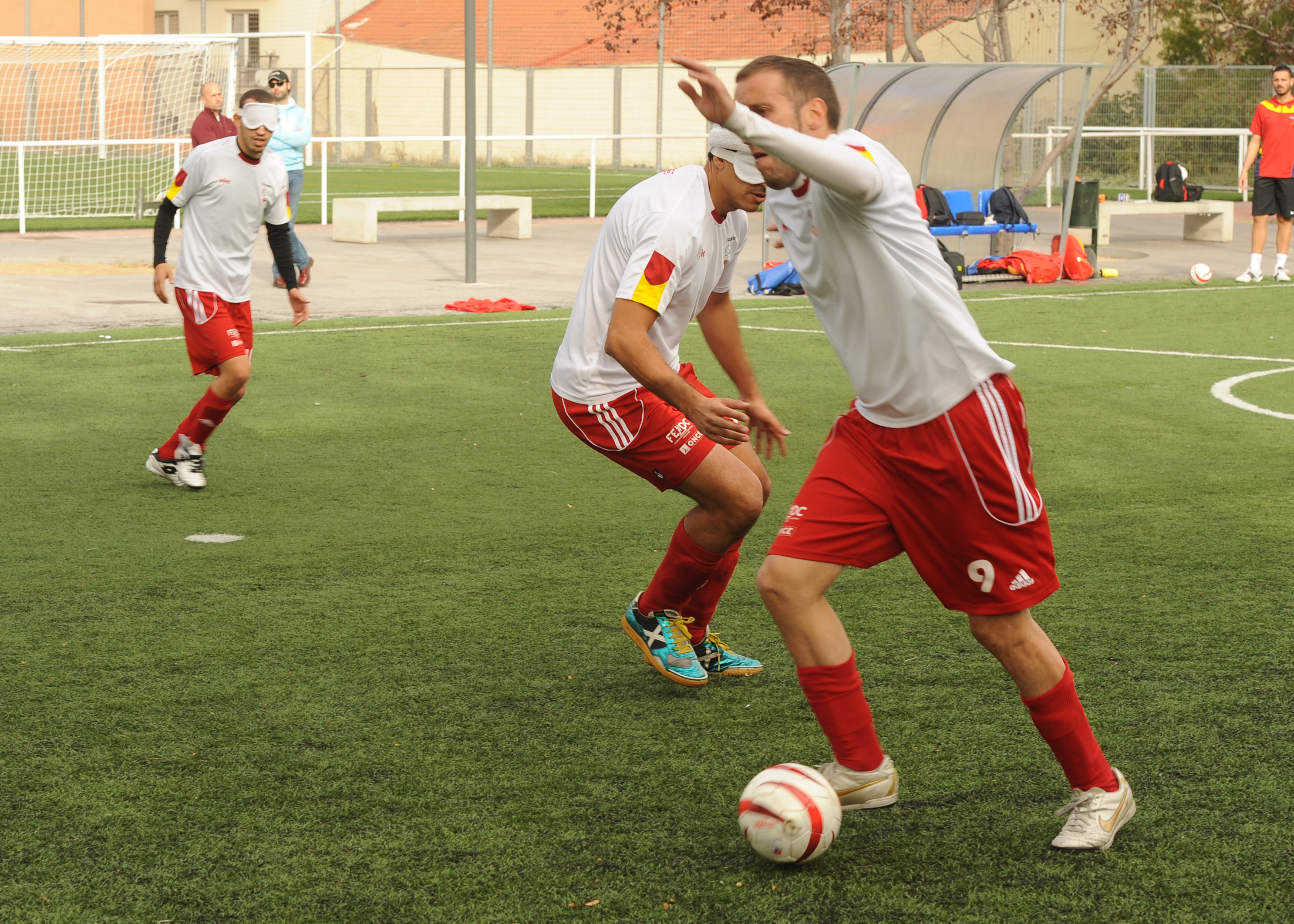 Martín Gaitán en plena jugada, durante un entrenamiento en la concentración de Madrid