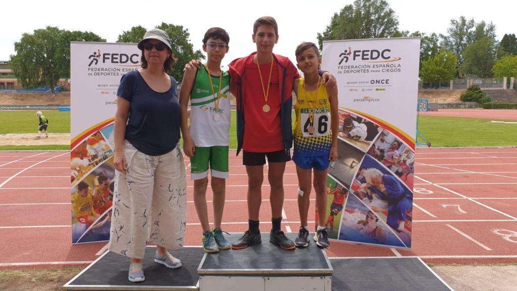 Pablo Noguero con su medalla en el podium